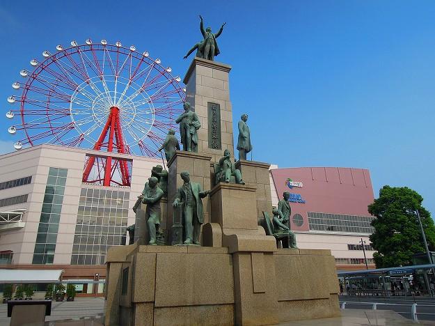 鹿児島中央駅前「若き薩摩の群像」全体