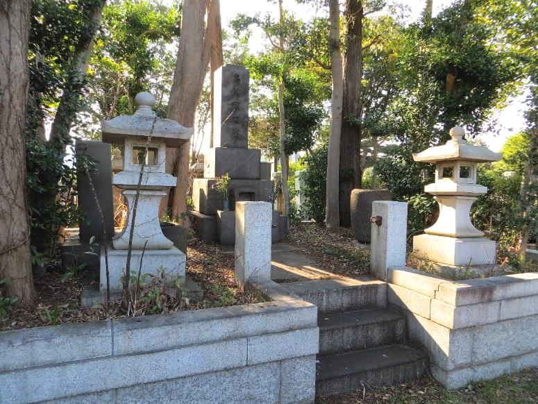 名村墓所青山霊園